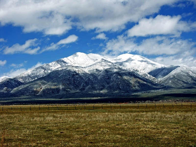 Taos Mtn. from El Prado. Author: Laura from Satellite Beach, USA